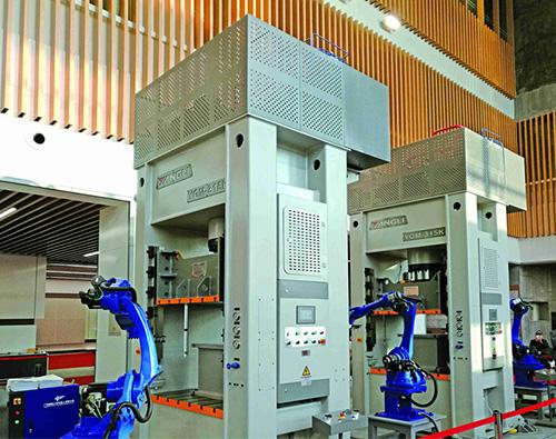GMK系列伺服門式高速液壓機